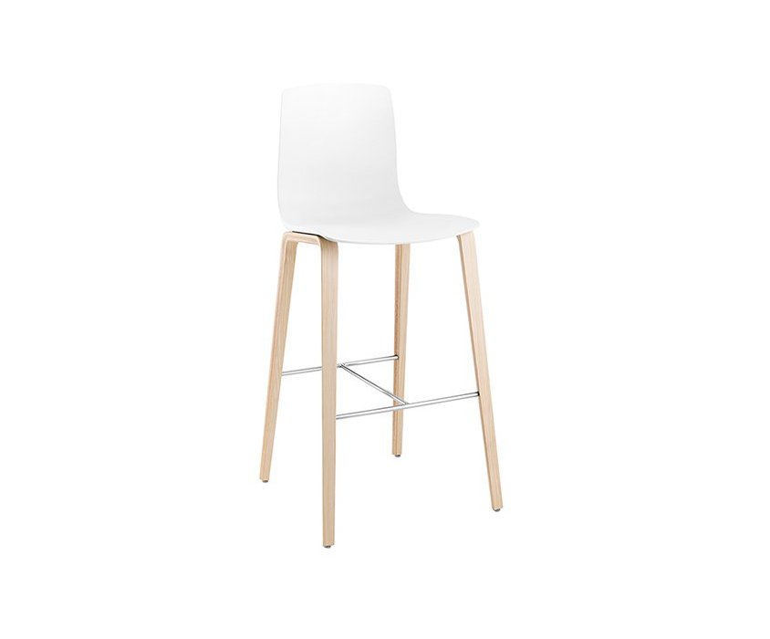 Aava – Bar stool 4 wood legs